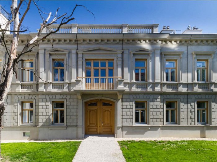 Real Estate in 1190 Wien : DÖBLING: first-class estate in top location with large private park - Picture 1