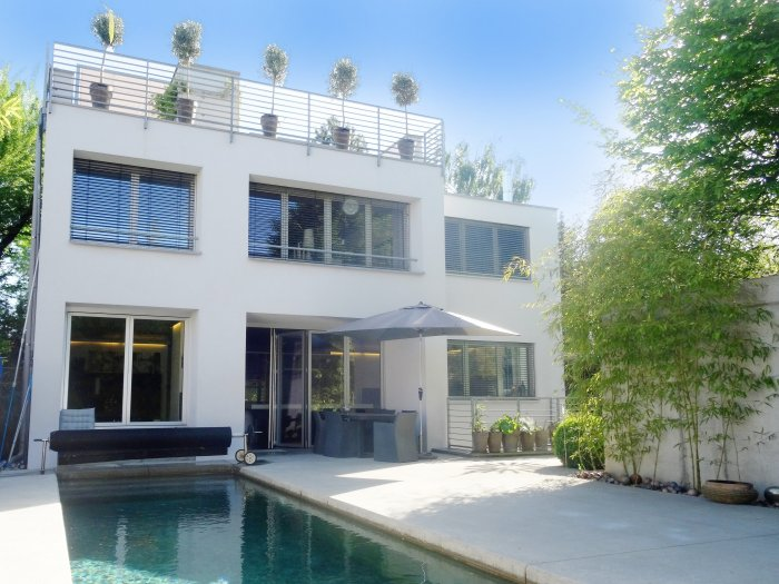 Real Estate in 5020 Salzburg : Maxglan: Avant-garde designer villa with feel-good character of a special kind - Picture 1