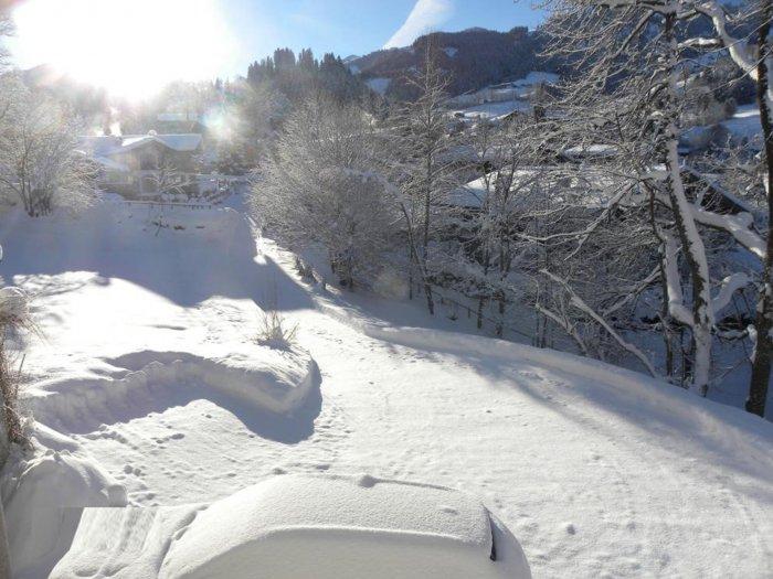 Immobilie in 6370 Kitzbühel : Kitzbühel: Herrliches Baugrundstück mit Altbestand  ( Zweitwohnsitzwidmung ! ) am Fusse der Bichlalm - Bild 1