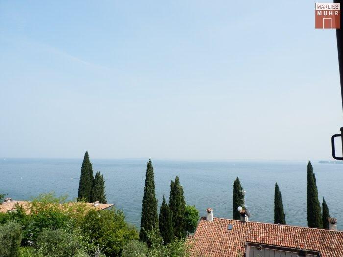 Immobilie in 25080  Padenghe Sul Garda : NÄHE DESENZANO DEL GARDA: Moderne Lifestyle-Villa mit traumhaften Seeblick - Bild 1