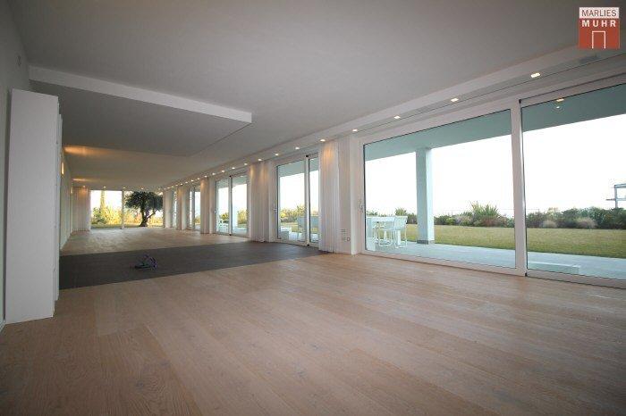 Immobilie in 25080  Padenghe sul Garda : GARTEN-PARADIES: Lichtdurchflutetes Wohnen auf einer Ebene mit 1.800 großem Eigengarten - Bild 1