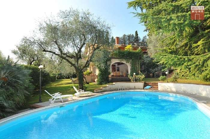 Real Estate in 25083  Gardone Riviera : GARDONE RIVIERA: Sunny property in the sought-after villa district - Picture 1
