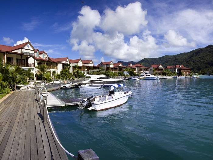 Real Estate  : EDEN PRIVATE ISLAND SEYCHELLES: Townhouse with wide-ranging views for best possible living comfort. - Picture 1