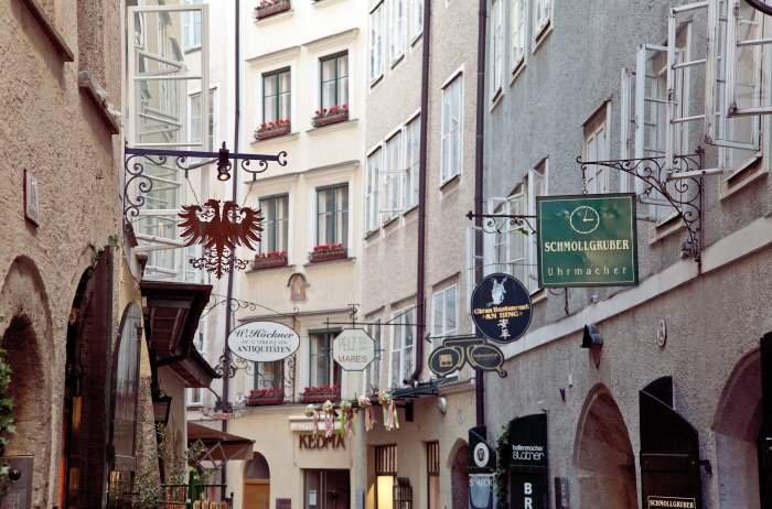 Immobilie in 5020  Salzburg : GOLDGASSE - ERSTBEZUG nach Sanierung: Charmante Wohnung mit Lift in revitalisierten Altstadthaus! - Bild 1