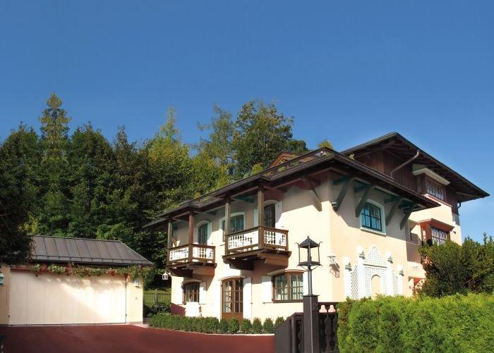 Immobilie in 6370  Kitzbühel : Kitzbühel: Exklusive Villa mit 2 Wohnbereichen, Lift und Garage in Zentrumsnähe - Bild 1