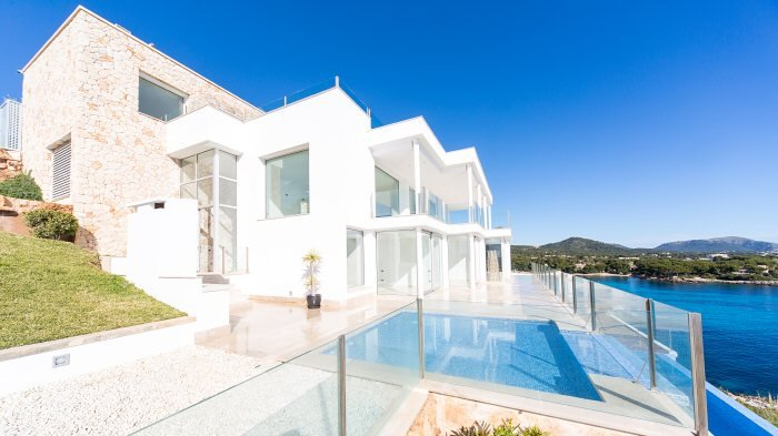Real Estate in 07589  Provensals : Mallorca: Stylish and meters away from the sea - Picture 1