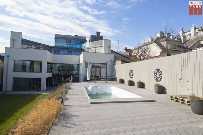 Real Estate in 3400  Klosterneuburg : CENTRE OF KLOSTERNEUBURG: Your modern villa on the outskirts of Vienna - Picture 1