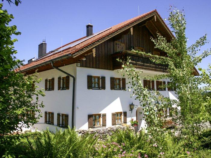 Real Estate in 83457 Bayrisch Gmain : BERCHTESGADENER LANDSITZ:  Exklusives Landgut mit grossem Park nahe der Festspielstadt Salzburg - Picture 1