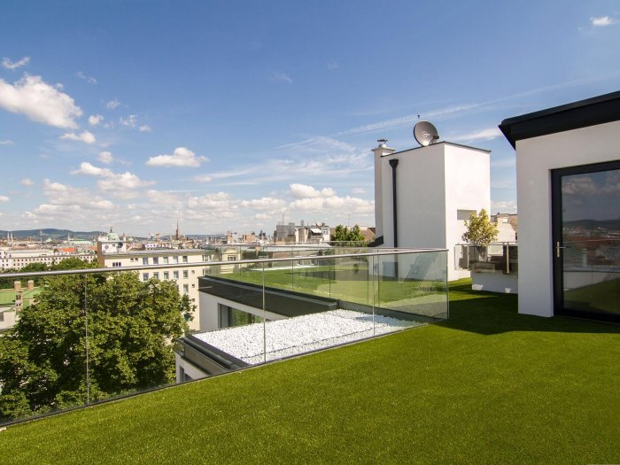 Real Estate in 1040 Wien : 4th district: Stylish roof-garden penthouse with views overlooking Vienna! - Picture 1