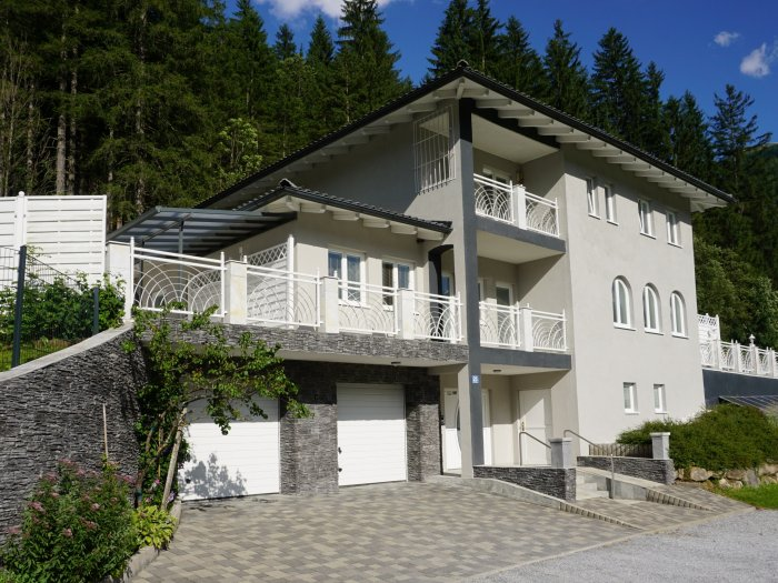 Real Estate in 5640  Bad Gastein : Panoramic house with superb view and classy wellness area - Picture 1
