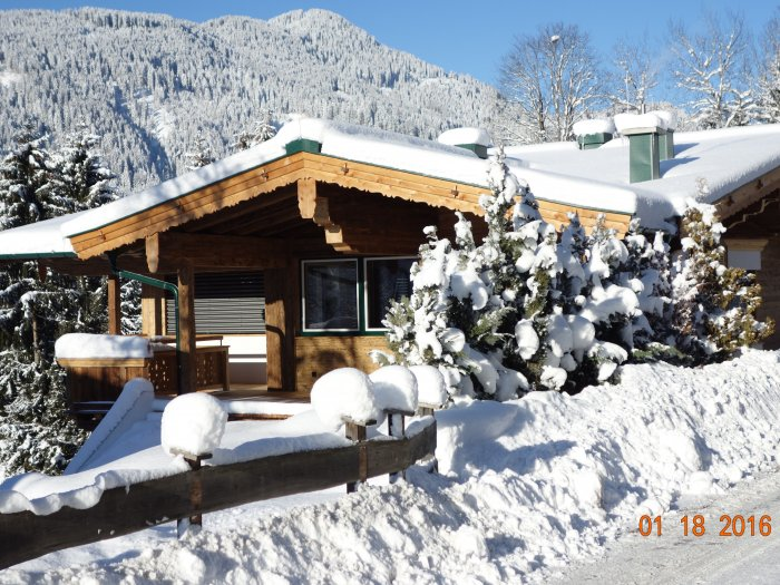 Real Estate in 6370  Kitzbühel : Kitzbühel am Lutzenberg: Exclusive building with panoramic view for immediate purchase - Picture 1