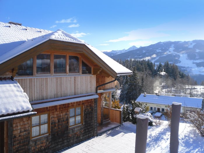 Real Estate in 8972  Ramsau am Dachstein : RAMSAU AM DACHSTEIN: Country beauty overlooking the Planai - Picture 1