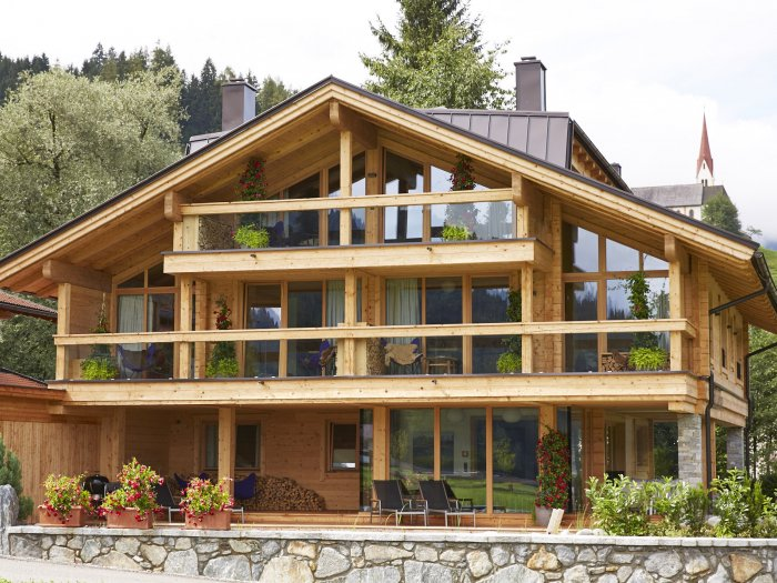 Real Estate in 6271  Uderns : Uderns in the Zillertal valley: holiday home: refuge with 3 self-contained living units - Picture 1