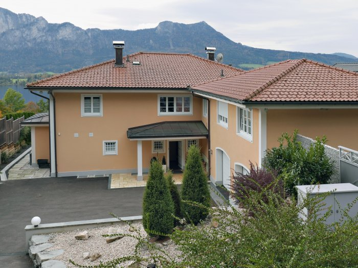 Immobilie in 5310 Mondsee : ENTSPANNTER LUXUS AM MONDSEE: Aussichtsreiche Seeblick-Villa bietet Urlaubsflair das ganze Jahr! - Bild 1