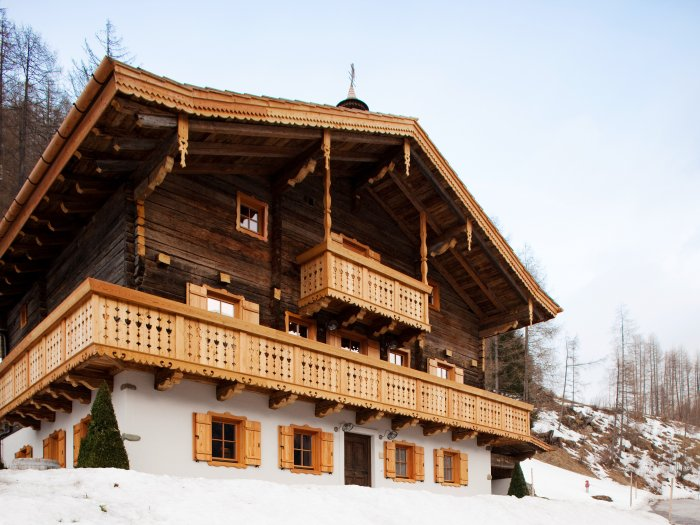 Real Estate in 9844 Heiligenblut : GROSSGLOCKNER - HEILIGENBLUT: Revitalized farmhouse meets modern design - Picture 1