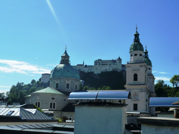 Real Estate in 5020  Salzburg : SALZBURG-GOLDGASSE: Revitalized old apartment with exclusive fittings! - Picture 1