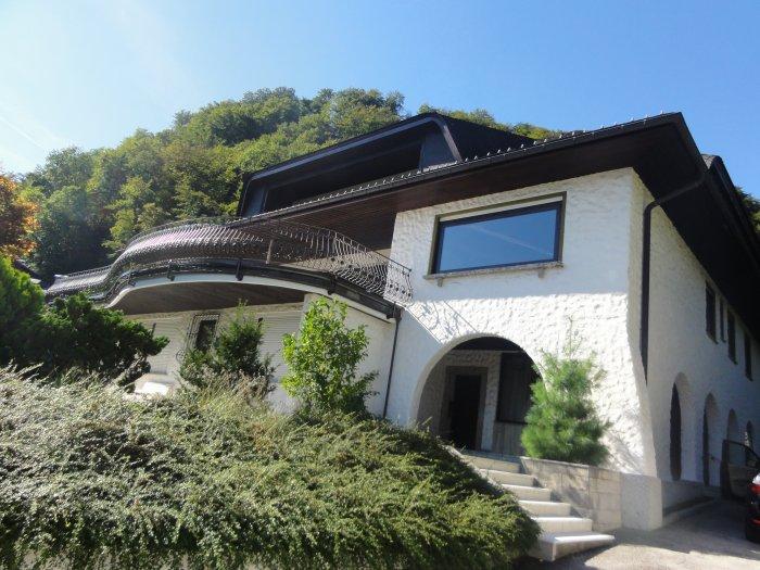 Immobilie in 5020 Salzburg : LAGE LAGE LAGE: Großzügige Villa mit unverbaubarer Aussicht nahe dem Stadtzentrum! - Bild 1