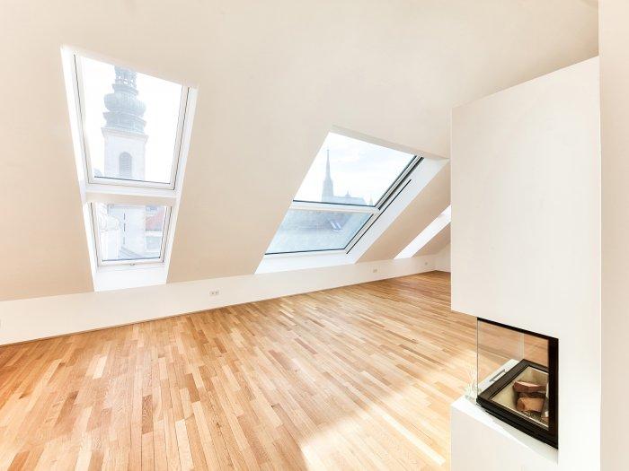 Immobilie in 1010 Wien : WIEN 1. BEZIRK - STADTLEBEN DELUXE MIT AUSBLICK: Atmosphärische Dachterrassenwohnung - Bild 1