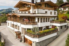 Immobilie in 6365  Kirchberg : Kirchberg: Bezugsfertiges  Penthouse im Chaletstil in Panoramalage mit Lift, Terrassen und Garage und Conciergeservice