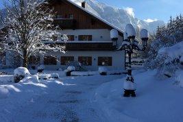Immobilie in 83457 Bayrisch Gmain: BERCHTESGADENER LANDSITZ:  Exklusives Landgut mit grossem Park nahe der Festspielstadt Salzburg - Bild