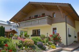 Real Estate in 4810 Altmünster : WOHN-UPGRADE IN ALTMÜNSTER! Wellnessparadies schafft Wohnvergnügen samt top Traunstein- und Seeblick!