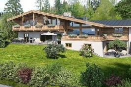 Real Estate in 6370 Kitzbühel : Kitzbühel: Exklusive Highend-Villa zum Erstbezug mit unverbaubarem Panoramablick. Zweitwohnsitzwidmung!