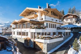 Real Estate in 6365  Kirchberg : Kirchberg: Ready-for-occupancy penthouse in chalet style in panoramic location with lift, terrace and garage as well as concierge service.