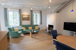 Real Estate in 5020 Salzburg : PURES CITYLEBEN! Große 2-Zimmer-Wohnung in zentraler Stadtlage und Privat-Parkplatz!