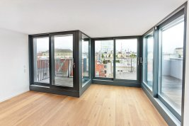 Real Estate in 1020 Wien : 2nd district: brightly lit 3-room rooftop terrace apartment!