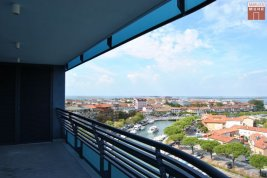 Real Estate in 34073  Grado : Sunlit, lifestyle penthouse with spacious roof terrace