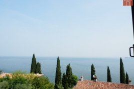 Immobilie in 25080  Padenghe Sul Garda : NÄHE DESENZANO DEL GARDA: Moderne Lifestyle-Villa mit traumhaften Seeblick