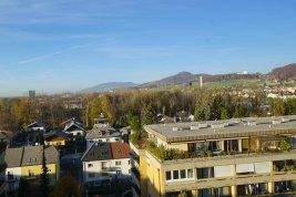 Immobilie in 5020 Salzburg : LEHEN IN LUFTIGER HÖHE! 3-Zimmer-Wohnung mit Aussicht und tollem Grundriss