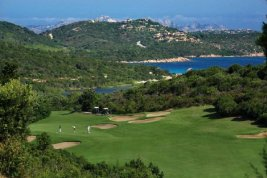 Real Estate in 07021  Porto Cervo: SARDINIEN-PORTO CERVO: Lifestyle apartment with stunning views of the golf course - Picture