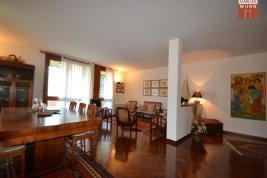 Real Estate in 37011  Bardolino: BARDOLINO: Charming apartment with lake view - Picture