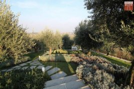 Immobilie in 25080  Padenghe sul Garda: WOHNEN WIE IM URLAUB! Lifestyle-Gartenwohnung beim Gardasee - Bild