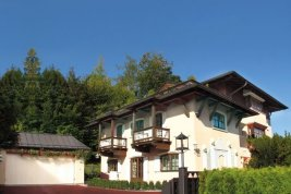 Immobilie in 6370  Kitzbühel : Kitzbühel: Exklusive Villa mit 2 Wohnbereichen, Lift und Garage in Zentrumsnähe