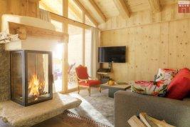 Immobilie in 6271  Uderns: Uderns im Zillertal: Freizeitwohnsitz: Chalet mit mehreren Wohnungen  - Bild