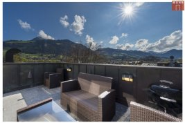 Real Estate in 6370  Kitzbühel: Kitzbühel: Penthouse with lift, carports and granny flat in the best city location - Picture