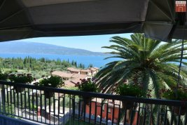 Real Estate in 25088  Toscolano Maderno: STUNNING SCENERY AT GARDA LAKE! Sensational villa with large garden and Lago View! - Picture