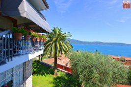 Real Estate in 25088  Toscolano Maderno : STUNNING SCENERY AT GARDA LAKE! Sensational villa with large garden and Lago View!
