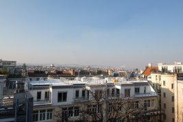 Real Estate in 1050 Wien : 5th District: Elegant penthouse apartment with lots of charm!
