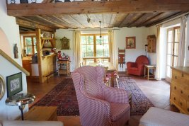 Real Estate in 4865 -Nußdorf am Attersee : SECONDARY RESIDENCE IN NUSSDORF AM ATTERSEE: Cosy country house on 5,546 sqm plot directly on the grasslands!