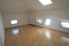 Real Estate in 5020 Salzburg : SIGMUND-HAFFNER-GASSE - Exklusive Altbau-Wohnung mit Lift!