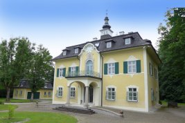 Real Estate in 5350 Strobl am Wolfgangsee : SALZKAMMERGUT PEARL: historic castle from 1899 - within walking distance to the popular Lake Wolfgangsee!