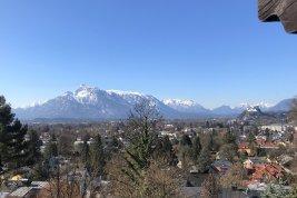 Immobilie in 5020 Salzburg : RARITÄT AM FUSSE DES GAISBERGES: Charmante Aussichtsvilla mit traumhaften Berg- u. Festungsblick!