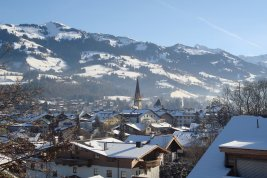 Real Estate in 6370  Kitzbühel : Kitzbühel: Penthouse with lift, carports and granny flat in the best city location