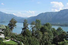 Real Estate in 5310 Mondsee : RELAXED LUXURY BY MONDSEE LAKE: excellently located lake-view villa offers holiday flair all year round!