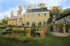 Real Estate in 2372 Gießhübl: 25 MIN. TO THE SOUTH OF VIENNA - GIESSHÜBL: Romantic style property on 6,887 sqm park land! - Picture